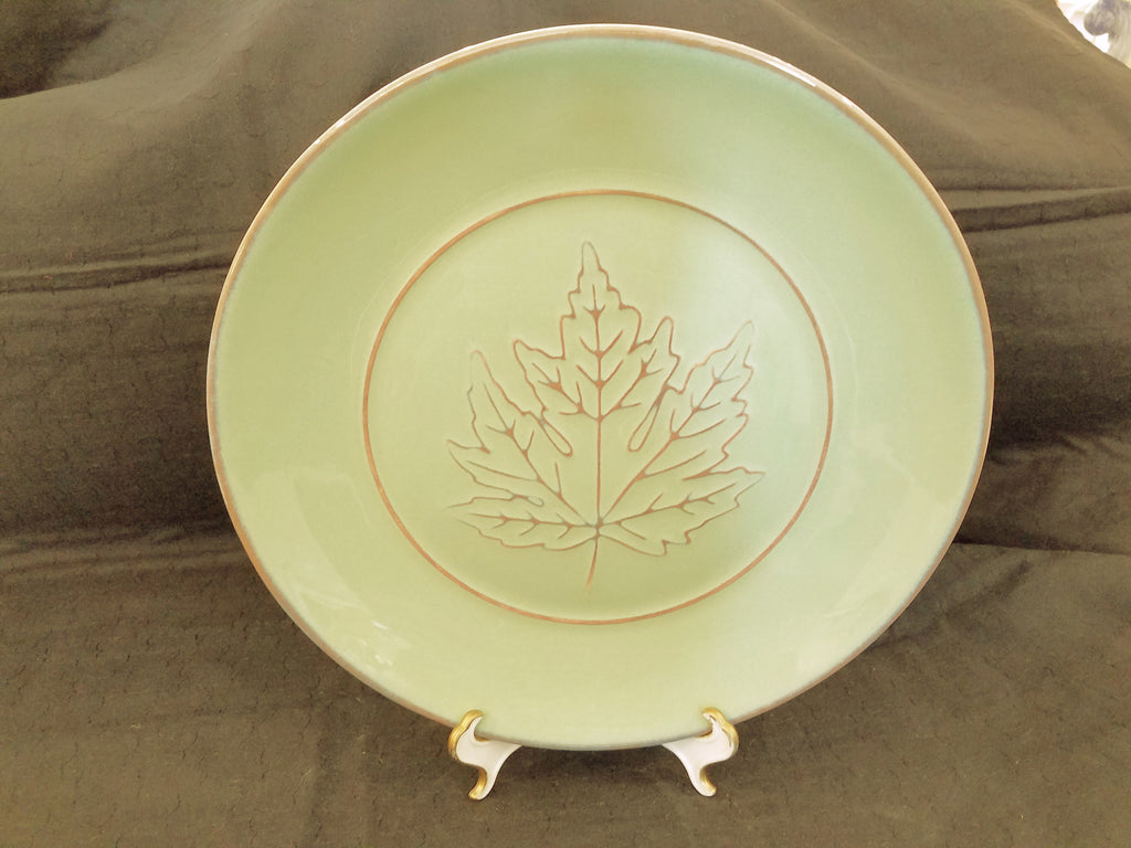 "Brown Leaf on Green 10.5"" Dinner Plate"