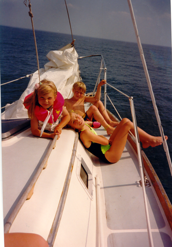 Pear & Simple owner Melissa Suddendorf enjoys time on Lake Michigan in Port Washington as a child. Now a Port Washington small business owner, Melissa enjoys spending time with her family in her hometown.