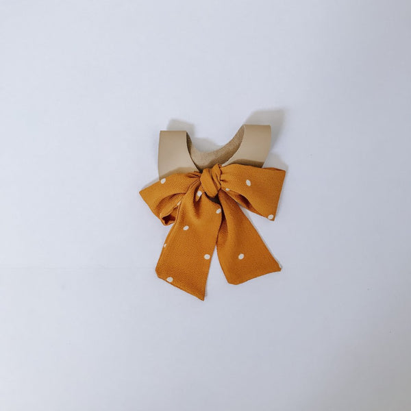 Butterscotch Bow Tie Collar