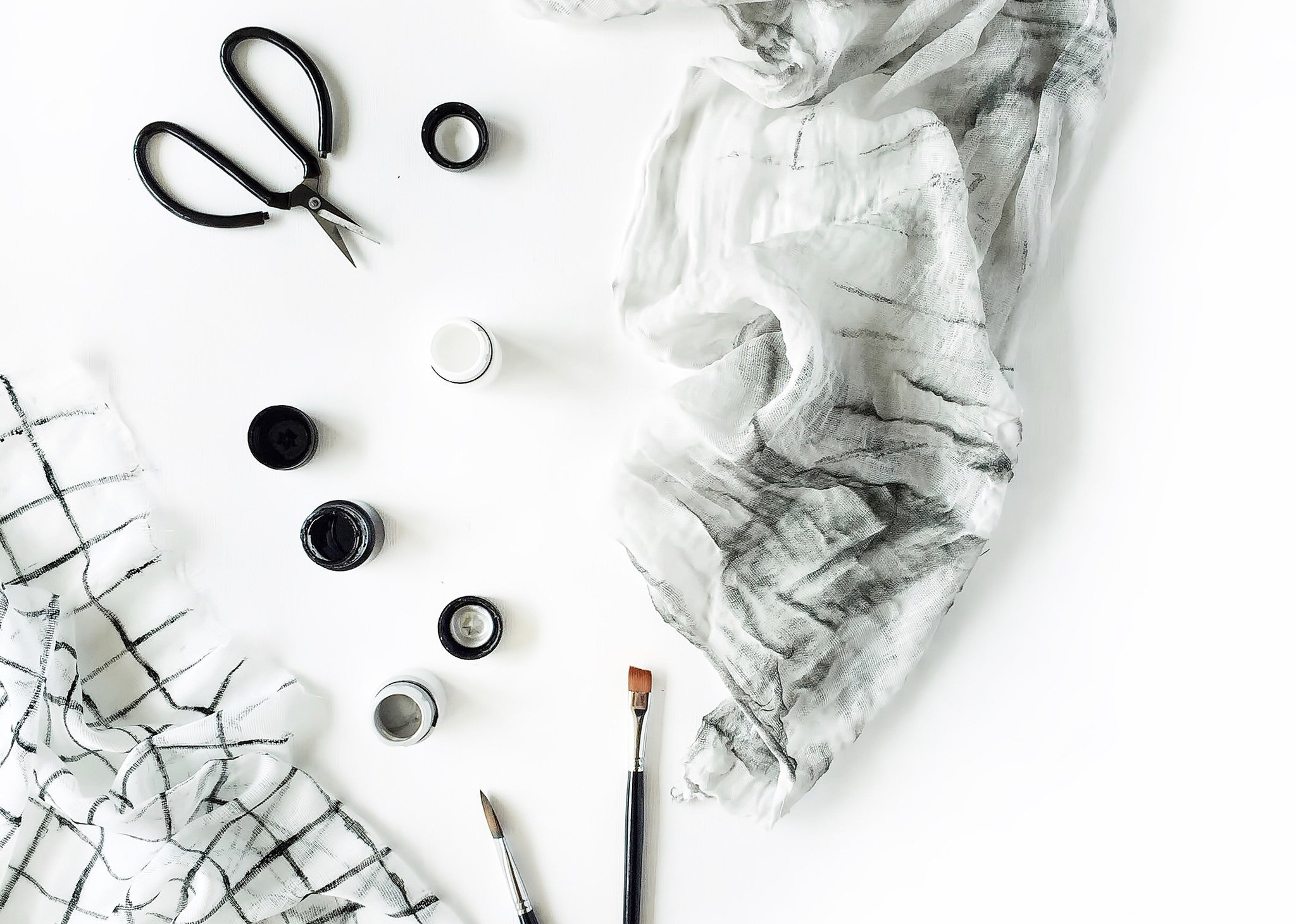 Creativity and Minimalism - 10 essential tips for makers + a free download