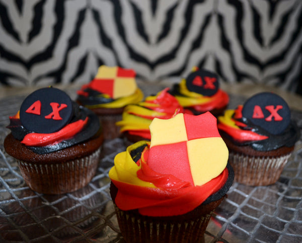 Fraternity Cupcakes by Sugar Street Boutique TriColour Swirl Cupcakes Chocolate Cupcakes Toronto Ontario Canada Red Gold and black cupcakes Frosting