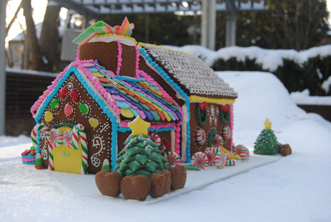 gingerbread house toronto by sugar street boutique. candy factory gingerbread house. christmas gingerbread.