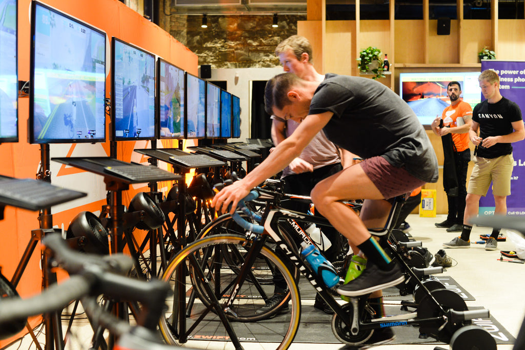 Zwift Kiss E-Crit Final | Rapha Melbourne - FYXO