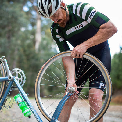 Distract Road Jersey- Verde - FYXO Cycling Apparel