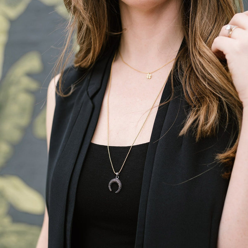 The Delilah Horn Necklace