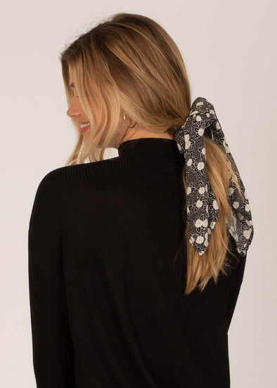 Up And Back Scrunchie Scarf - Black