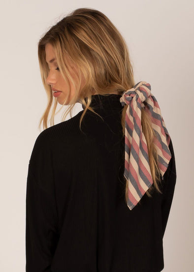 Up And Back Scrunchie Scarf - Rouge
