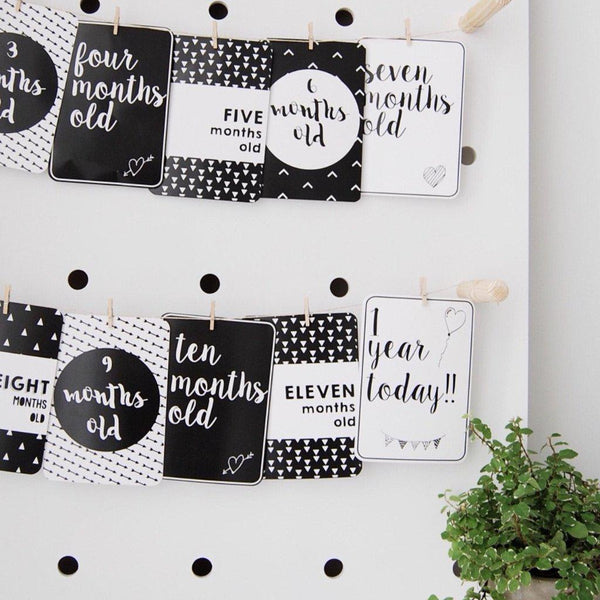 Baby Milestone Cards - Monochrome - Baby Age Cards