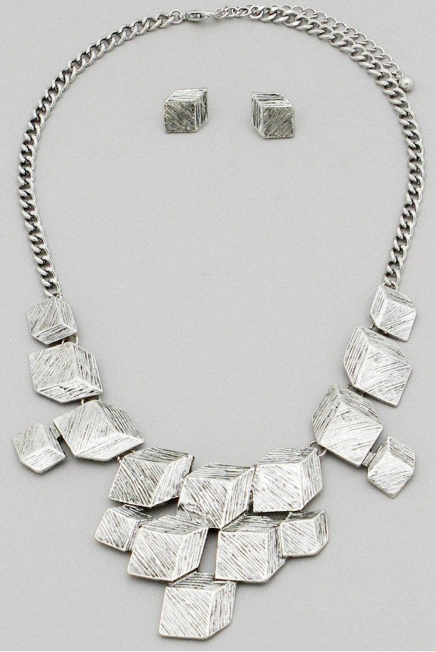 Scratched Flat Cube Statement Necklace Set