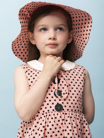 Pink dots hat