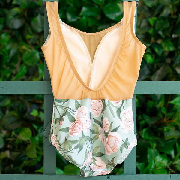 EXTRA EXTRA SMALL ALOE PEONY & CHESTNUT MESH DART <br> READY TO SHIP