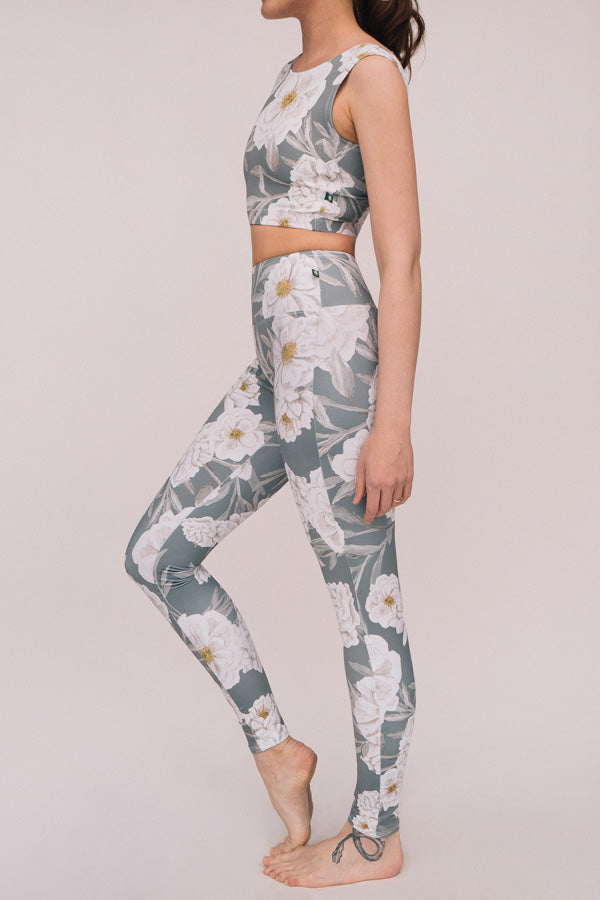 STONE CAMELLIA FLIGHT TOP & LEGGINGS <br> FULL SET