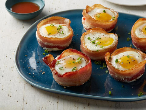 bacon, egg, bacon and egg cups, plate, ketchup