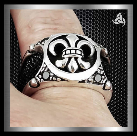 Mens Biker Ring Celtic Fleur Stingray Inlay Sterling Silver Sz 10.5 - Sinister Silver Co.