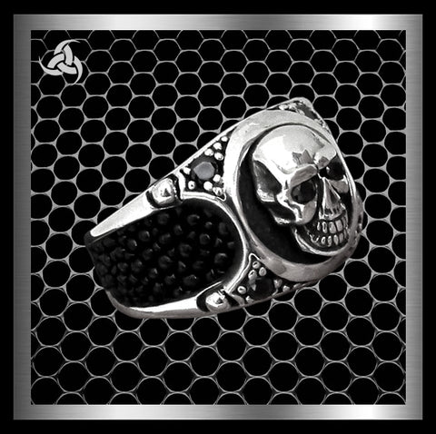 Mens Biker Ring Skull Stingray Inlay Sterling Silver Size 10 - Sinister Silver Co.