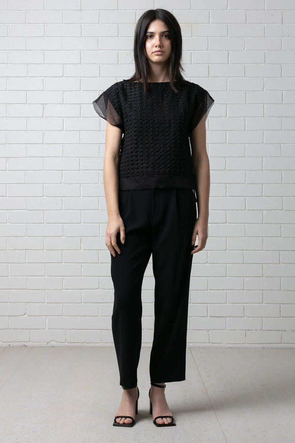BLACK EMBROIDERED BOXY WOVEN T