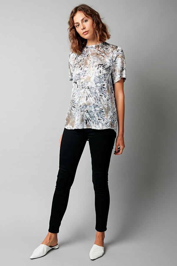 ILLUSION PRINT SILK SATIN CHIE TEE - Nique Clothing