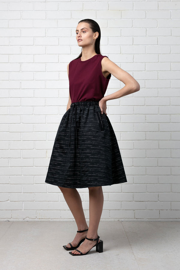 BLACK LINEAR AYA FULL SKIRT