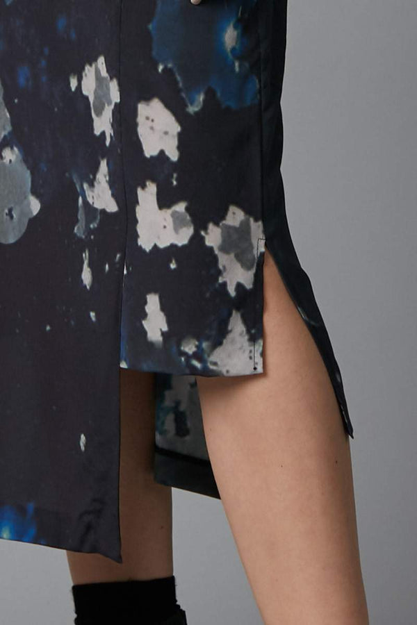 BLUE BIG SKY PRINT BLOCH PANELLED SILK SKIRT
