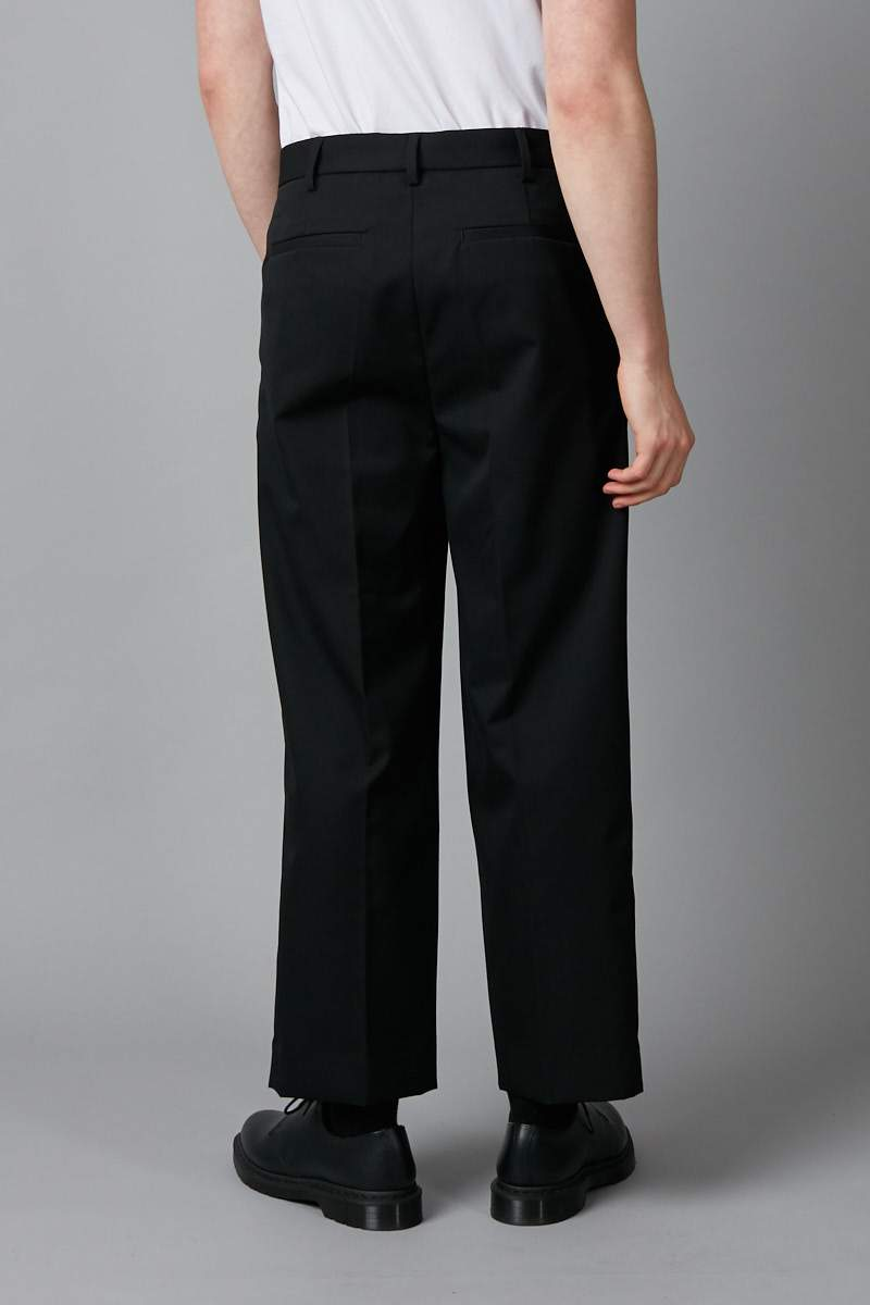 BLACK LARGE PLEAT WOOL PANT - Nique Clothing
