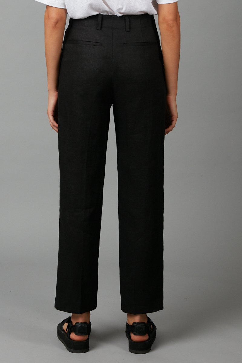BLACK SHARP TAILORED PANT