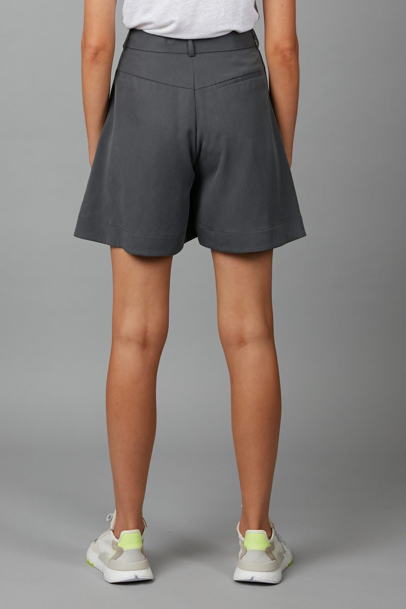 SMOKE BLUE IKUMI SHORT