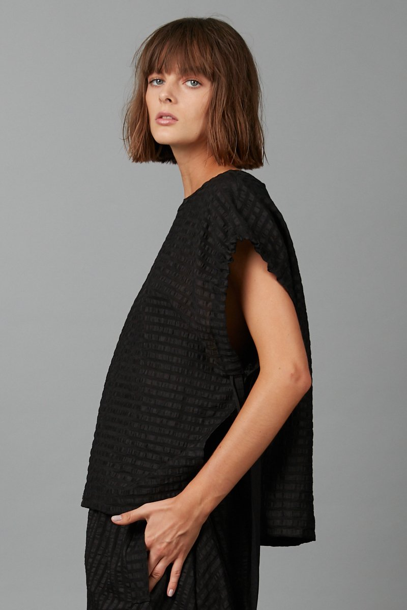 BLACK SHINO TOP