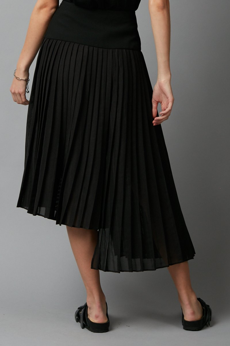 BLACK FOLD SKIRT - Nique Clothing