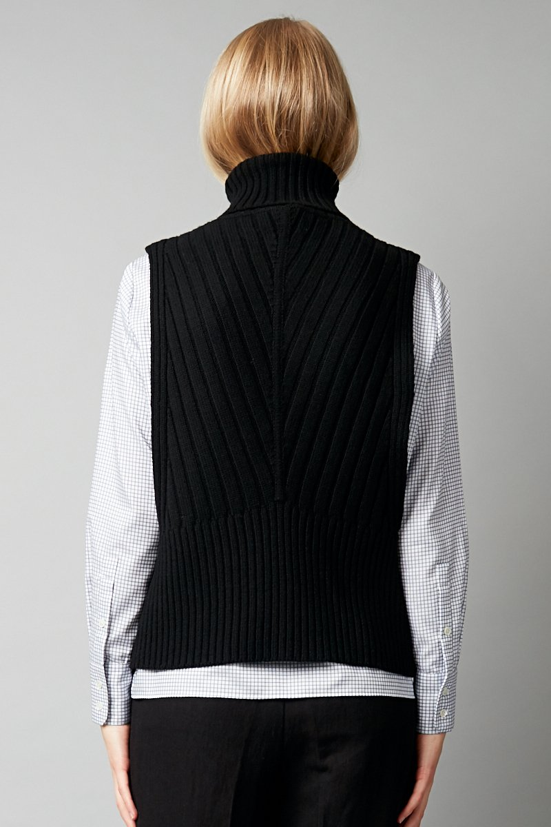 BLACK MERINO INE KNIT