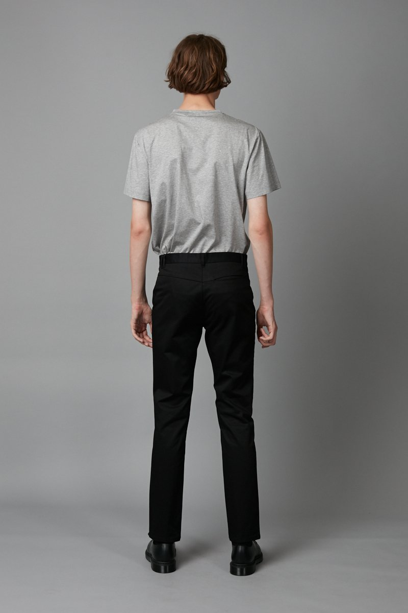 BLACK SLIM STRAIGHT CHINO