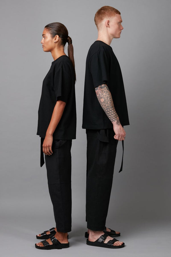 BLACK BOX UNISEX OVERSIZED COTTON TEE - Nique Clothing