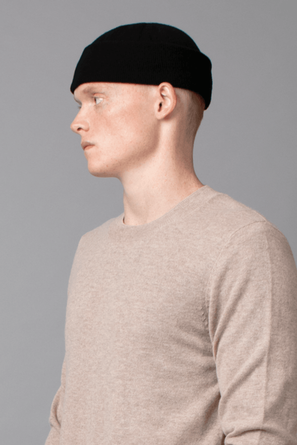 BLACK MINIMAL MERINO WOOL BEANIE - Nique Clothing