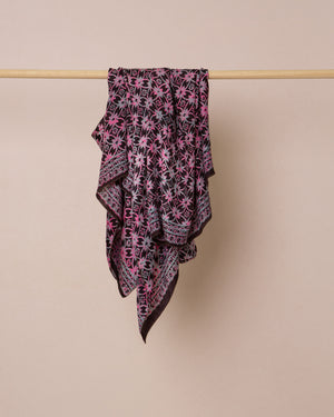 Load image into Gallery viewer, Geometric print black and pink silk sarong and scarf