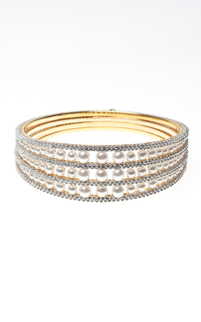 Bangle with a triple band of pearls set with American diamante