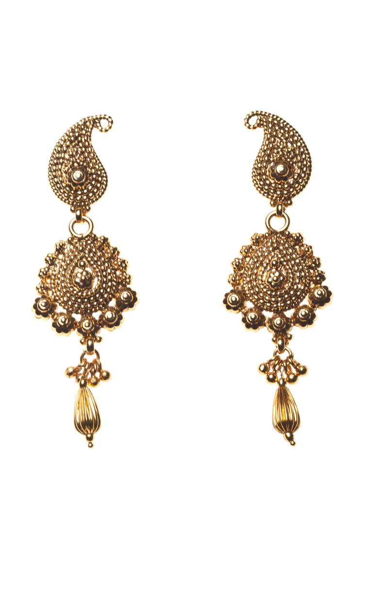 Circle shaped antique gold dangle earrings