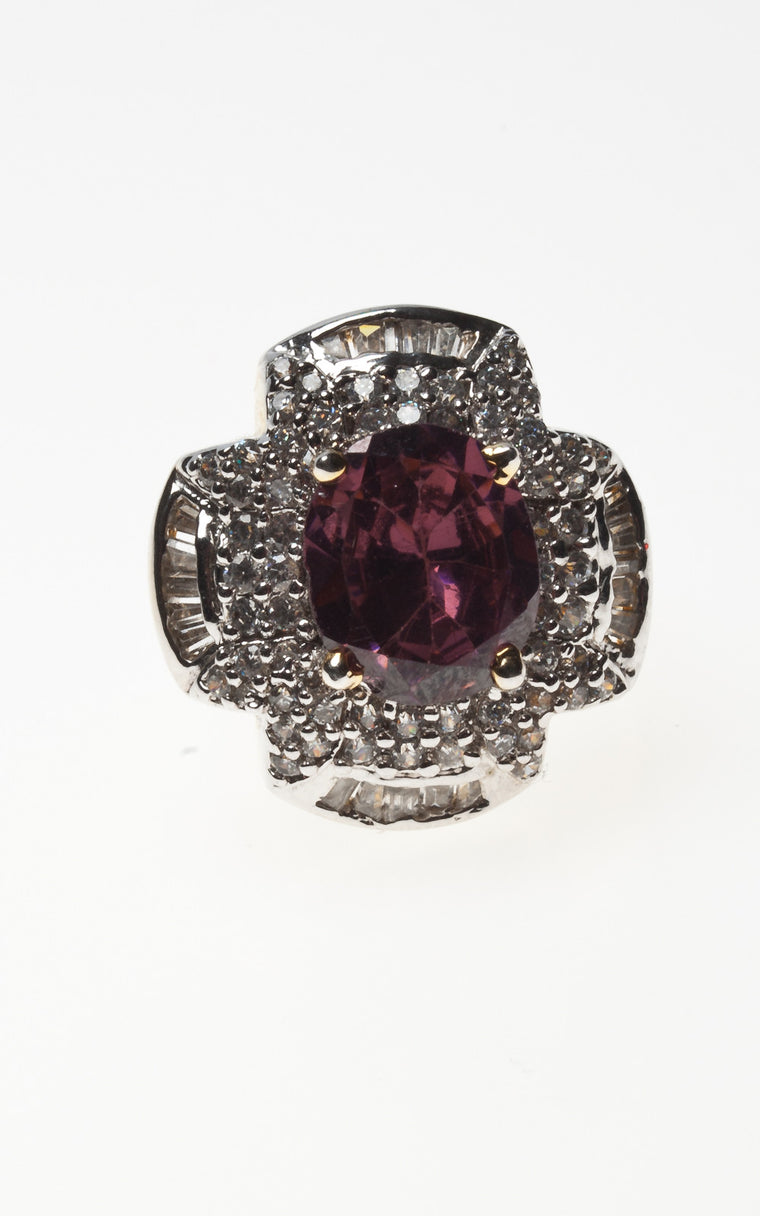 Ruby coloured ring with diamante
