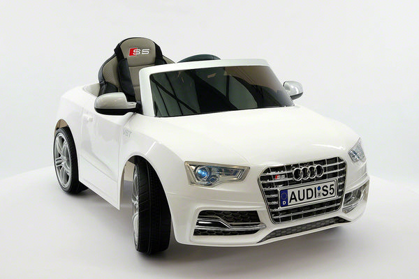 Moderno Kids Audi S5 Sport 12V Electric Kids Ride-On Car with Parental Remote | White