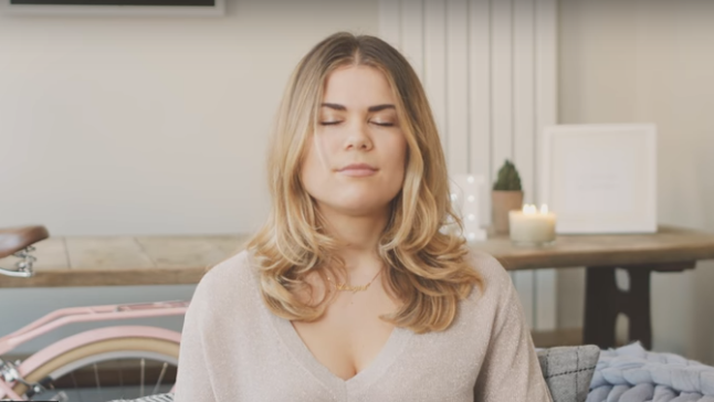Om Moment with Madeleine Shaw