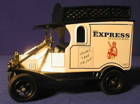 Oxford Diecast Daily Express Vans