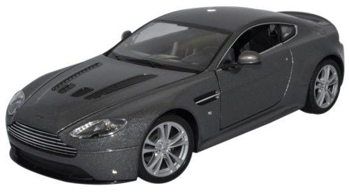 WELLY Aston Martin Silver - 1:24 Scale