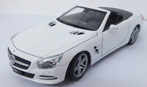 WELLY Mercedes Benz 2012 White Convertible - 1:24 Scale