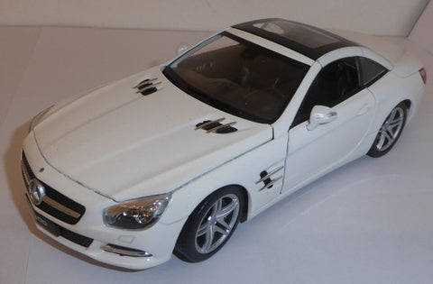 WELLY Mercedes Benz SL500 Hard Top White - 1:24 Scale