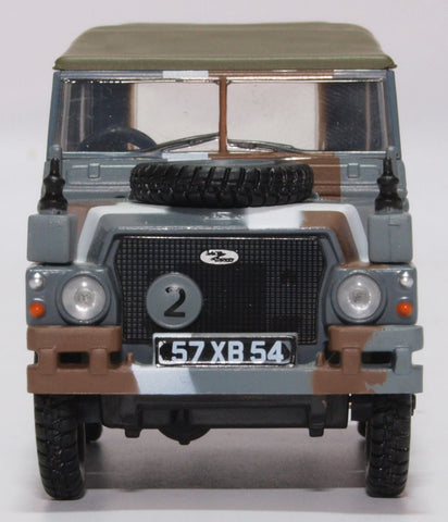 Oxford Diecast Land Rover Lightweight Canvas Berlin Scheme