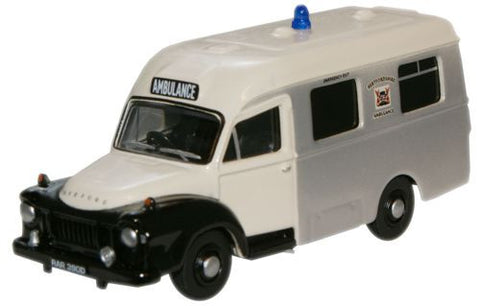 Oxford Diecast Hertfordshire Fire Ambulance Bedford J1 Ambulance - 1:7