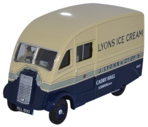 Oxford Diecast Commer Q25 Lyons Ice Cream