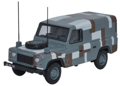 Oxford Diecast Land Rover Defender Berlin Scheme - 1:76 Scale