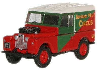 Oxford Diecast Land Rover 88 Hard Top Bertram Mills - 1:76 Scale