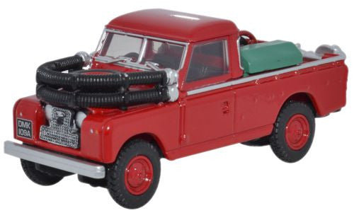 Oxford Diecast Red Land Rover Series II Fire Appliance - 1:76 Scale