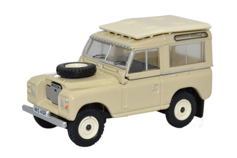 Oxford Diecast Land Rover Series III Station Wagon Limestone