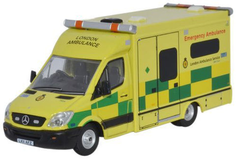 Oxford Diecast Mercedes Ambulance London - 1:76 Scale